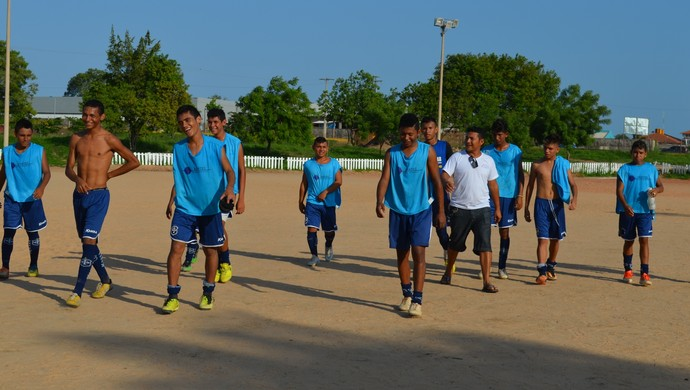 Equipe do São Francisco sub-17 (Foto: Weldon Luciano/GloboEsporte.com)