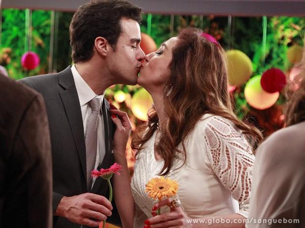 Lucindo e Damáris se casam... finalmente! (Foto: Ellen Soares/TV Globo)