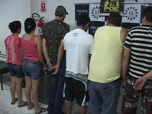 Sete pessoas foram presas por tráfico de drogas no Norte do estado (Foto: Eder Calegari/RBS TV)