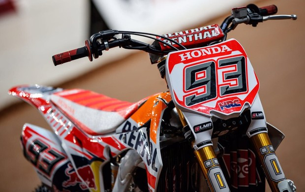 marc marquez dirt track new1