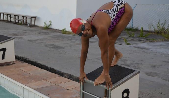 Lucinilda natação (Foto: Jonhwene Silva/GE-AP)