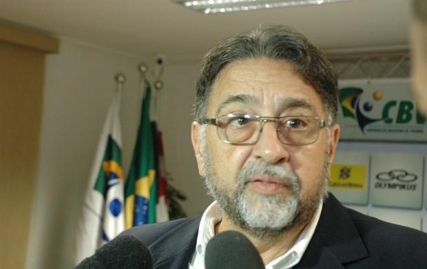 Neuri Barbieri, superintendente geral da confederação brasileira de vôley, na reunião em joão pessoa (Foto: Rammom Monte / GloboEsporte.com/pb)