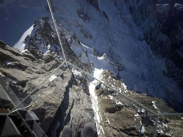 Montanha pode ser vista do chão (Foto: Robert Pratta/Reuters)