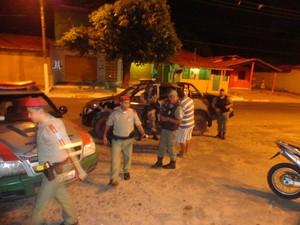 Policiais fizeram dilig�ncias com objetivo de prender os criminosos  (Foto: SombraPHB)