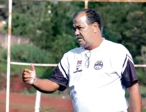 Luiz Dário, técnico do Goiânia (Foto: Mantovani Fernandes / O Popular)