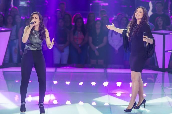 Amanda Lince e Fernanda Silva cantam sucesso de Marília Mendonça na Batalha do Time Teló (Foto: Artur Meninea/Gshow)