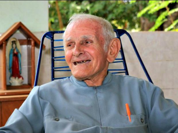 Padre Paolino Baldassari completa 87 anos (Foto: Sérgio Vale/ Secom)