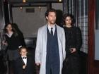 Filho de Matthew McConaughey rouba a cena de smoking e tênis