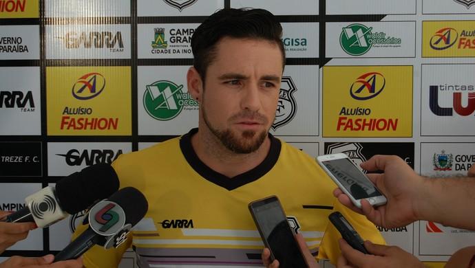 Thiago Furlan, atacante do Treze (Foto: Silas Batista / GloboEsporte.com)
