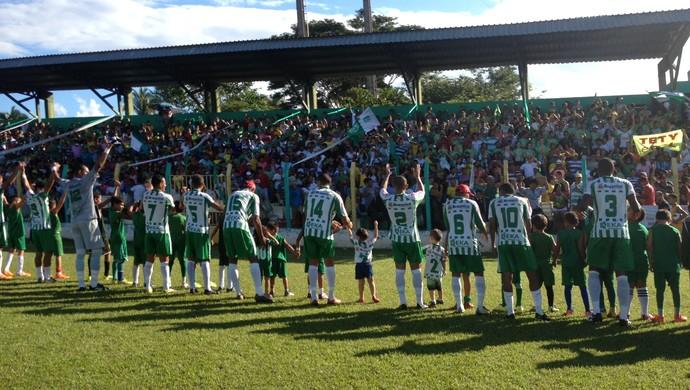 Tocantinópolis é recebido com festa pela torcida no estádio Ribeirão (Foto: Vilma Nascimento/GloboEsporte.com)