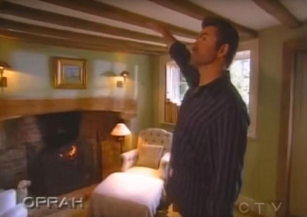 George Michael em sua mansão (Foto: Reprodução)