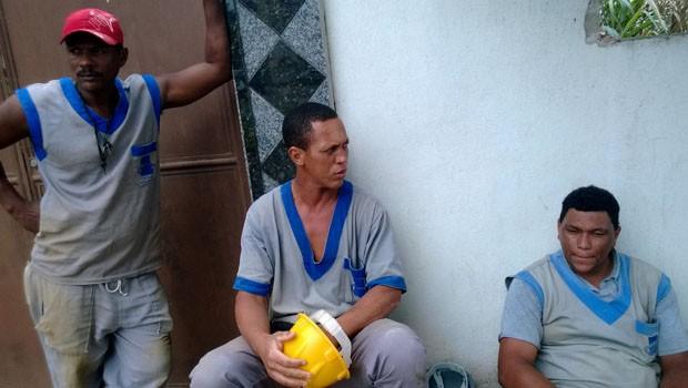 Jociano, Luiz e Luiz Maurício: não falta trabalho na construção (Foto: Lilian Quaino/G1)