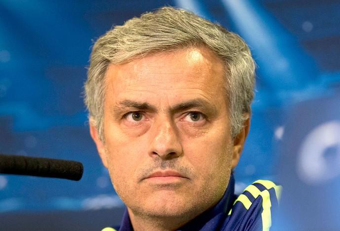 Mourinho coletiva Chelsea (Foto: Agência AP)