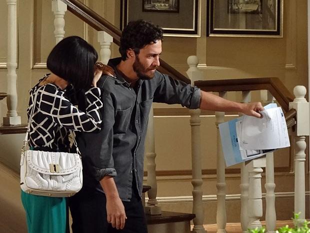 Melissa conta a Rodrigo que filho de Valéria pode não ser dele (Foto: Amor Eterno Amor/TV Globo)