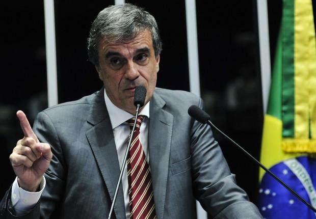 O advogado de defesa de Dilma Rousseff, José Eduardo Cardozo, durante sua fala no Senado (Foto: Geraldo Magela/Agência Senado)