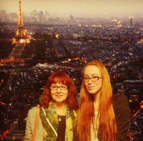 Aline do 'BBB 14' com a mãe (Foto: Instagram / Reprodução)