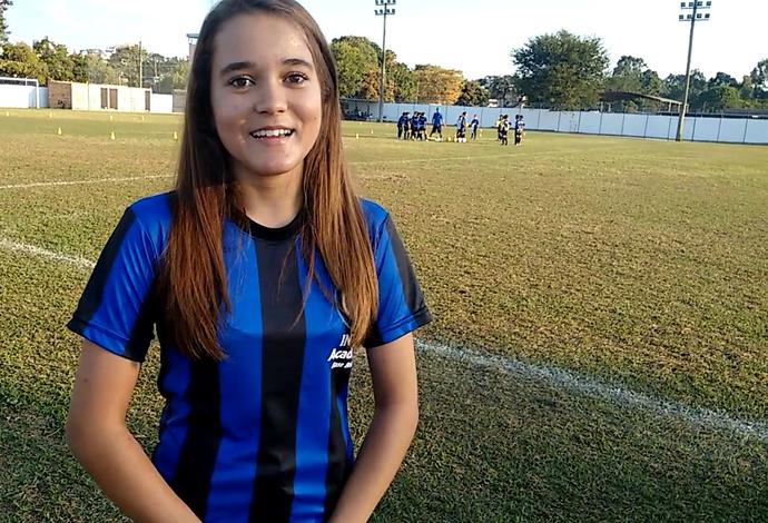 Primavera azul e preta  escola em MG ensina futebol no padrão Inter ... 002bb0b2aaac5