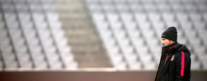 Diego Simeone, técnico do Atlético de Madrid, em treino em Munique (Foto: REUTERS/Michaela Rehle)