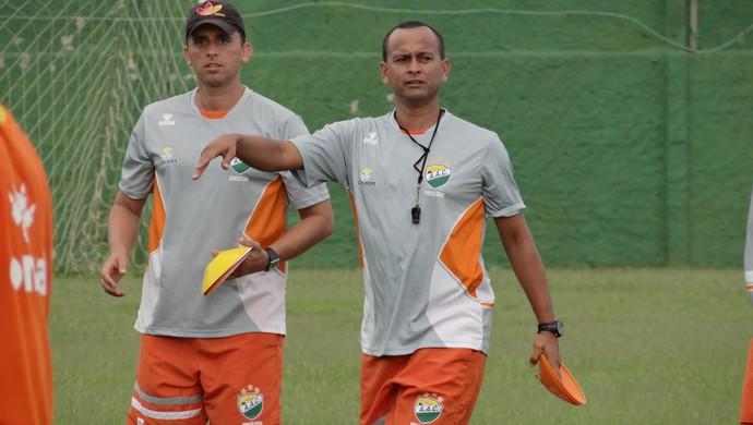 Rodrigo Albuquerque e Jaelson Marcelino, do Coruripe (Foto: Leonardo Freire/GloboEsporte.com)
