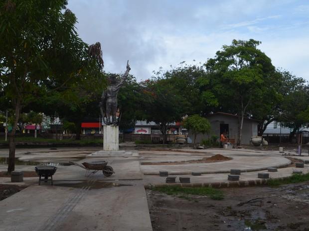 obra, praça Veiga Cabral, reforma, Macapá, Amapá (Foto: Jéssica Alves/G1)