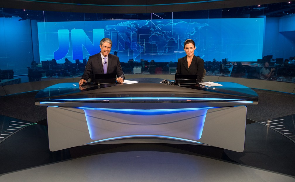 William Bonner e Renata Vasconcellos no novo estúdio do JN (Foto: Globo/João Cotta)