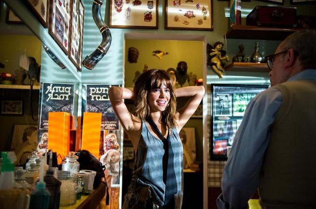 Julia Dalavia em 'Os dias eram assim' (Foto: Raquel Nunes/TV Globo)