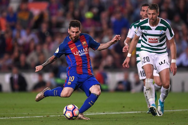 Messi em partida do Barcelona (Foto: Getty Images)