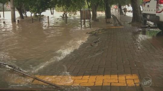 Transbordamento do Rio Piracicaba preocupa moradores da Rua do Porto