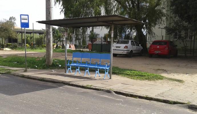 cadeiras olímpico, parada de ônibus, humaitá, comunidade tri, grêmio, porto Alegre (Foto: PMPA / Divulgação)
