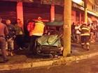 Motorista sem CNH bate em poste e duas ficam feridas em São José, SP