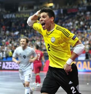 Léo Higuita Cazaquistão futsal (Foto: Getty Images/Fifa)