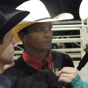 Anhumense é campeão das montarias em touros no Arena Rodeo Festival (João Paulo Tilio/GloboEsporte.com)