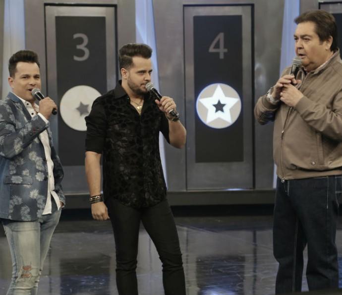 """João Neto e Frederico cantam sucesso """"Lê lê lê"""" (Foto: Fábio Rocha/Gshow)"""