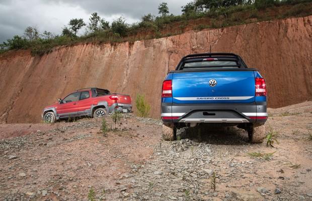 Nova VW Saveiro versus Fiat Strada (Foto: Fabio Aro/Autoesporte)