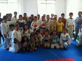 Crianças da Tijuquinha no Rio (Foto: Reprodução Instagram)