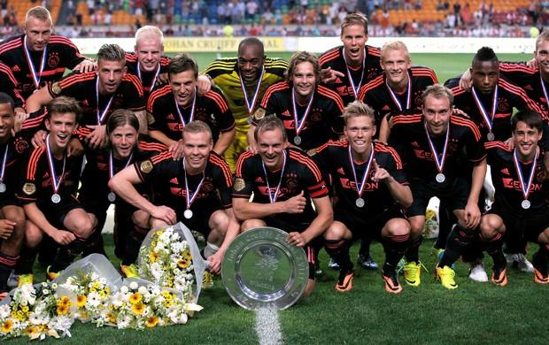 Ajax celebra título da Supercopa da Holanda (Foto: Getty Images)