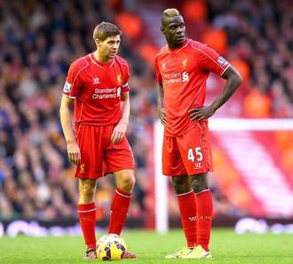 Gerrard e Balotelli, liverpool (Foto: Getty Images)