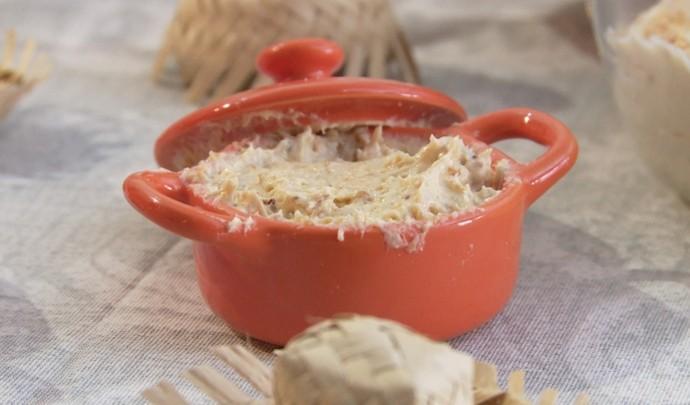 No bolo, rocambole ou puro, o creme de paçoca vai bem até puro  (Foto: Reprodução / TV Diário )