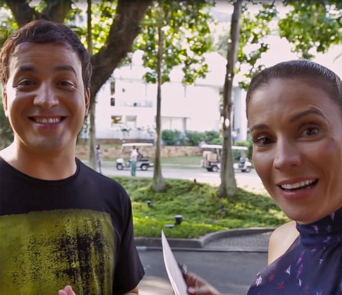Maíra Charken faz perguntas para Rafael Cortez (Foto: Gshow)