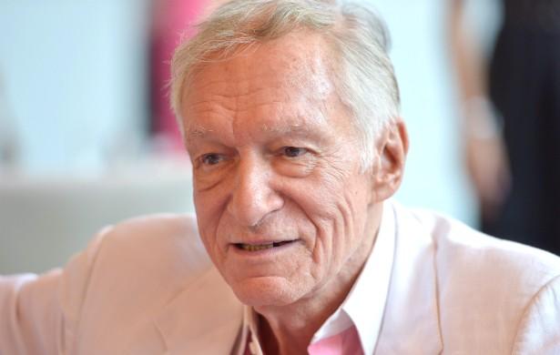 O criador da 'Playboy', Hugh Hefner, que está com 88 anos, revelou que, uma vez, quase morreu engasgado com uma bolinha Ben-wa (um tipo de brinquedo para adultos), quando estava fazendo sexo com uma de suas parceiras. (Foto: Getty Images)