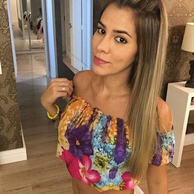 Ex-BBB Adriana posa para foto (Foto: Instagram/ Reprodução)