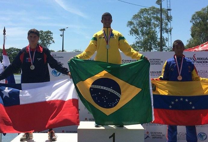 João Macedo Juiz de Froa atletismo Apogeu JogosSul-americanos Escolares Paraguai (Foto: Erik Chaves/Arquivo Pessoal)