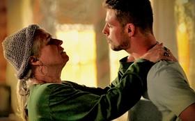 Jorginho pergunta a Lucinda se Nina está envolvida no sequestro de Carminha
