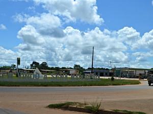 Prefeitura da cidade de Sena Madureira estaria recebendo repasse com desconto (Foto: Aline Nascimento/G1)
