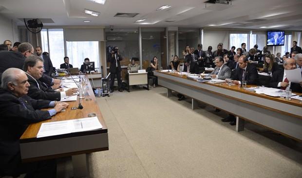 Parlamentares da CPMI da Petrobras se reúnem para aprovar plano de trabalho (Foto: Valter Campanato/Agência Brasil)