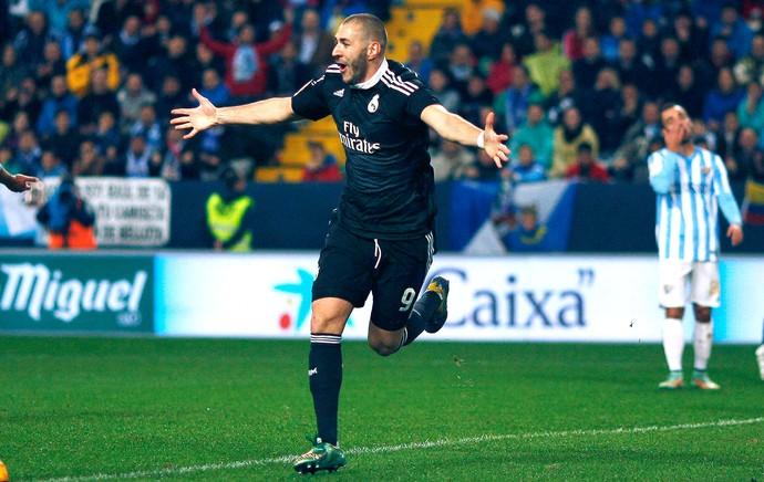 Benzema comemora gol do Real Madrid contra o Malaga (Foto: Agência Reutes)