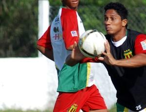 Thiago Miracema, atacante do Sampaio (Foto: Divulgação/Raimundo Pacó)