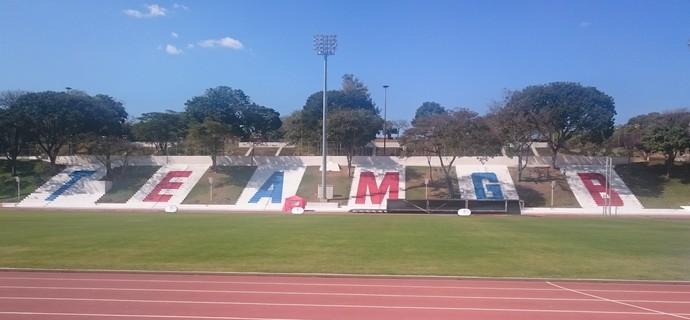 Atletismo do Reino Unido vai treinar na UFMG (Foto: Rafael Araújo)