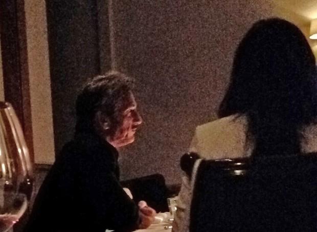 Sean Penn e Minka Kelly (Foto: Splash News / AKM-GSI)