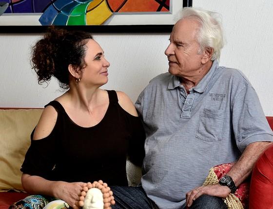 Cid e a mulher, Fátima, que também é jornalista, atualmente moram próximo a Petrópolis, na região serrana do Rio (Foto: Divulgação)